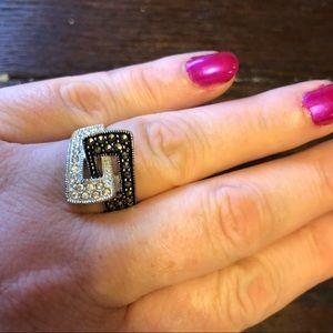 Jewelry - Beautiful costume ring w/CZ and black CZ size 8